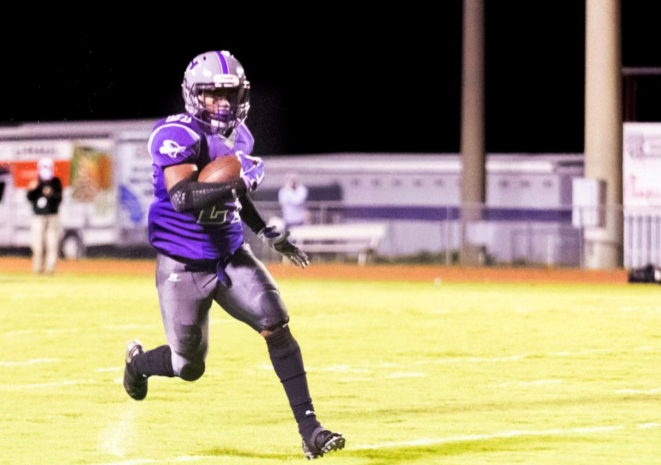 Shemar-Reed-running solo-with-ball.